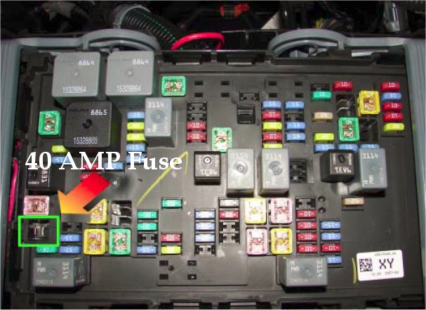 40amp looking for constant 12v at the rear end 1999 2006 & 2007 2013 2014 gmc sierra fuse box at fashall.co